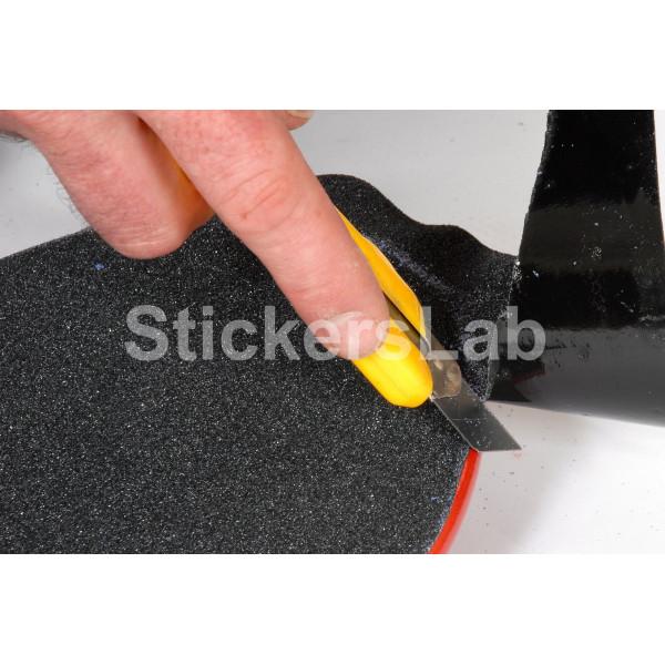 anti rutsch klebefolien schwarze streifen auf skateboard. Black Bedroom Furniture Sets. Home Design Ideas