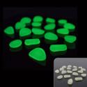 Sassolini luminosi in resina fotoluminescenti colore verde 50/100 pezzi