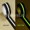 Cinta antideslizante 50 mm negro/blanco luminiscente el resplandor en la etiqueta engomada oscura