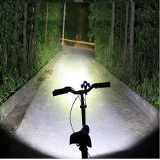 Bike torch with 5 LED light beam