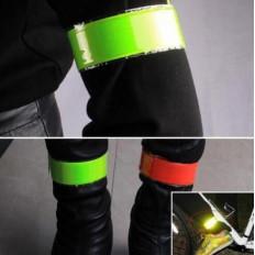 Fascia rifrangente/fluorescente da polso o caviglia a scatto in