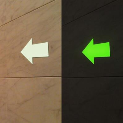 8 flechas adhesivas fotoluminiscentes que brillan en la