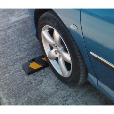 Rubber reflective parking wheel stop for commercial and domestic car parks, black and yellow