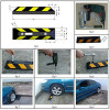 Cordolo fermaruota riflettente in gomma rigida per parcheggi