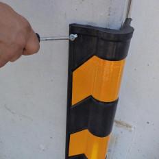 Protector de esquinas redondeadas amarillo y negro reflectante