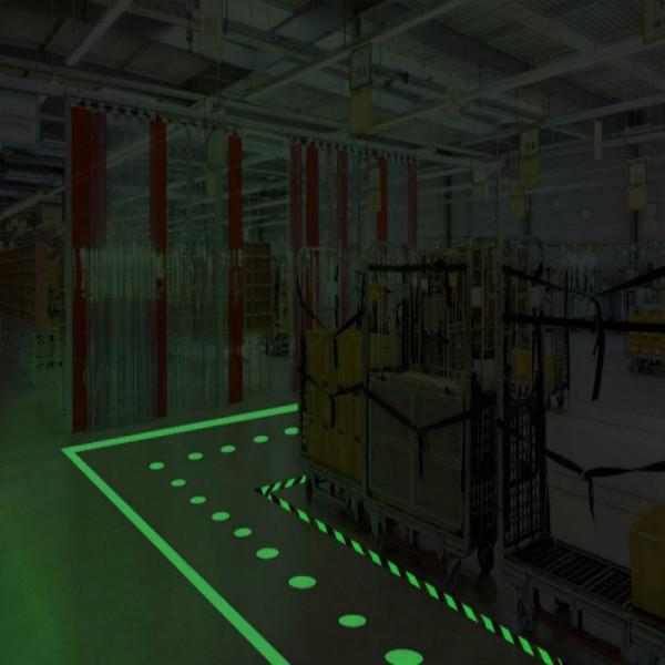 Stickerslab Phosphorescent Anti Slip Spray Glows In The