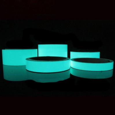 Cinta adhesiva película luminiscente fosforescente brilla en el oscuro azul