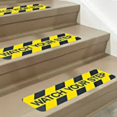 "Adesivo antiscivolo giallo-nero con scritta ""WATCH YOUR STEP"""