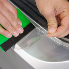 Pellicola adesiva trasparente per la protezione di bici e