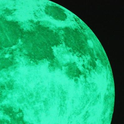 Pleine lune autocollant phosphorescente qui brille dans