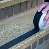 Полоски черные клейкие пленки нескользящей для полов и лестниц