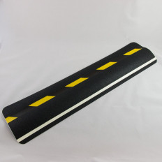 """pegatina deslizamiento amarillo-negro con la palabra """"PRECAUCIÓN"""", evita caídas o resbalones"""