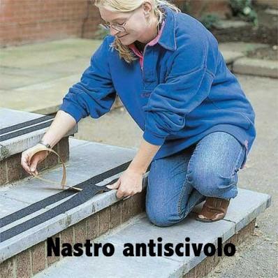 Strisce pellicole adesive antiscivolo nere esterni interni scale pavimenti 25 o 50mm