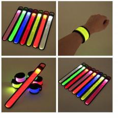 Helle Led Armband Handgelenk oder Knöchel zu sehen in der Dunkelheit in 6 Farben