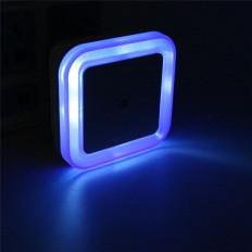 Luce di sicurezza colorata per camerette bambini che si accende automaticamente al buio