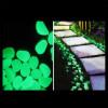 Gotas de piedras plásticas foto luminiscente color verde claro para la decoración