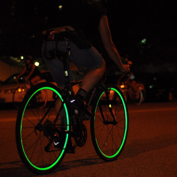 Aparador De Pelos Nariz ~ Nastro adesivo rifrangente riflettente strisce per la bici