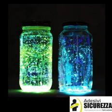 Pintura fotoluminiscente a base acrílica que brilla en la