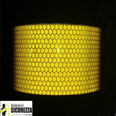 Retro-reflective tape yellow 50 mm class 2 reporting